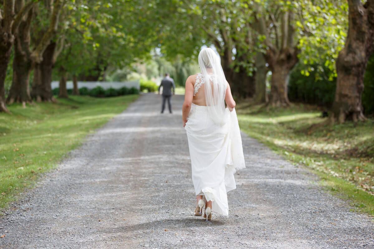 http://www.photorestorationretouching.com/wp-content/uploads/2019/07/wedding_photo_retouching_examples-2.jpg