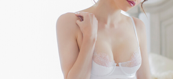 https://mlptczjnyeo5.i.optimole.com/w:auto/h:auto/q:75/https://www.photorestorationretouching.com/wp-content/uploads/2017/06/Breast_retouching_enhancement.jpg