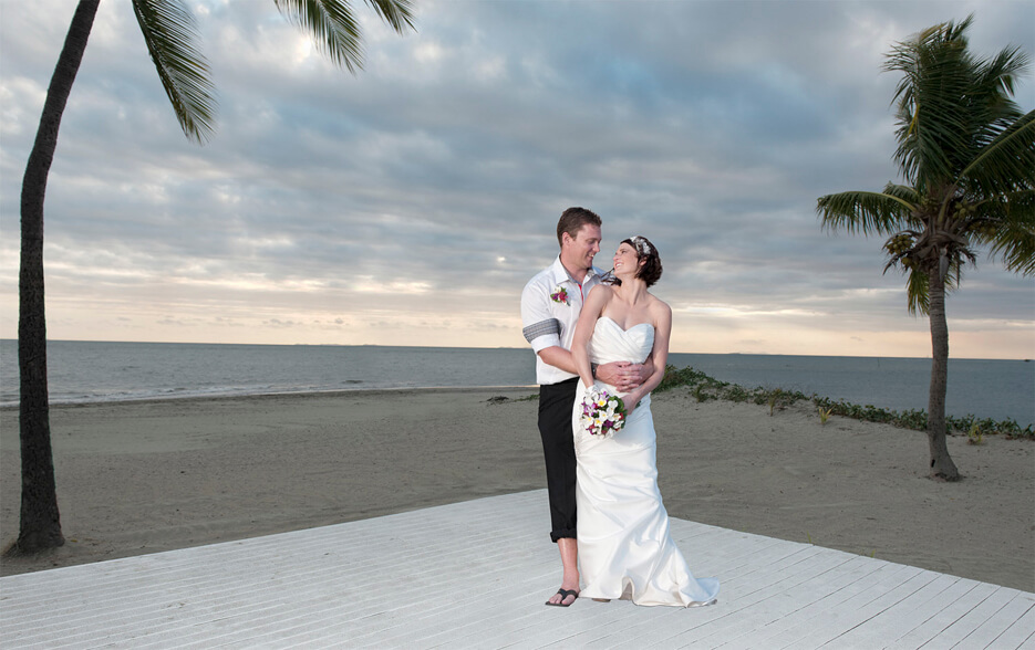 https://www.photorestorationretouching.com/wp-content/uploads/2017/06/wedding_retouching_background_changing.jpg