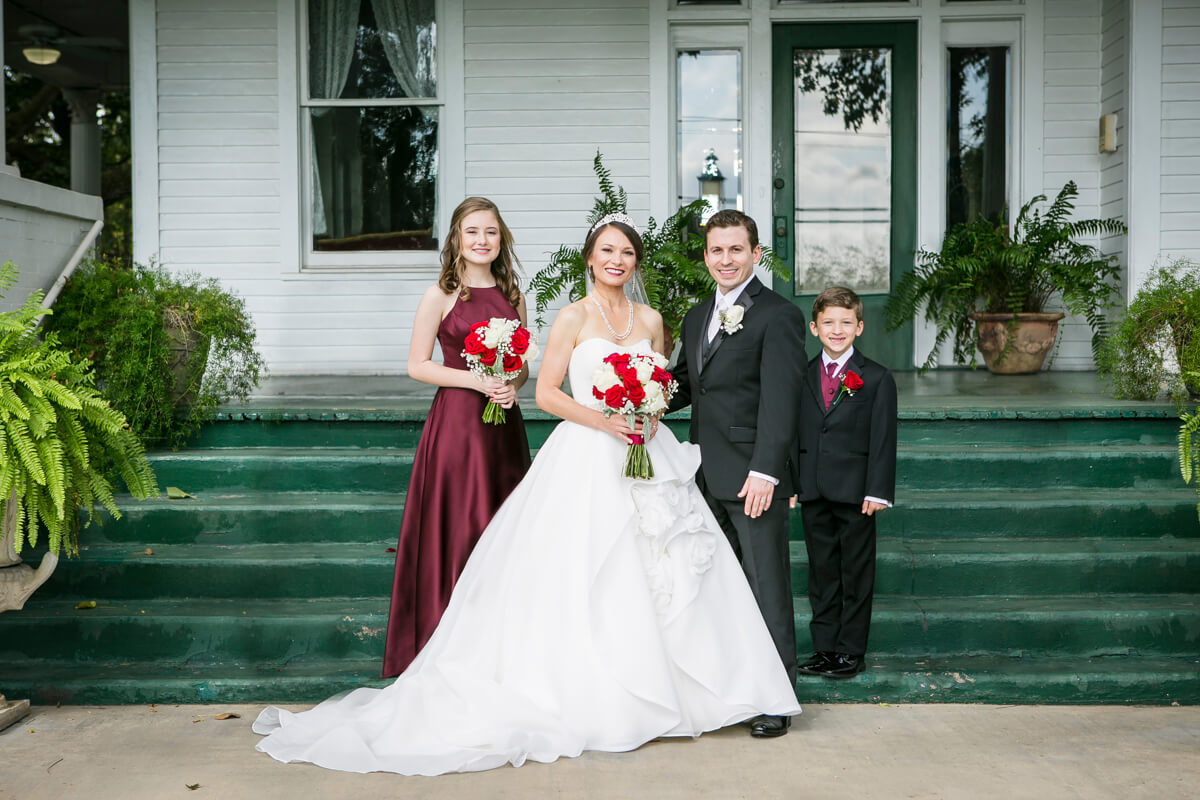 https://www.photorestorationretouching.com/wp-content/uploads/2019/07/wedding_photo_retouching_examples-3.jpg