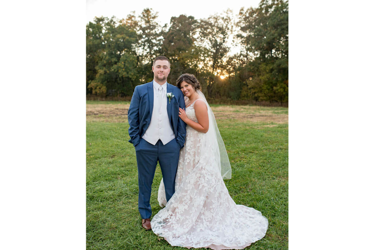 https://www.photorestorationretouching.com/wp-content/uploads/2020/09/wedding_photo_editor.jpg